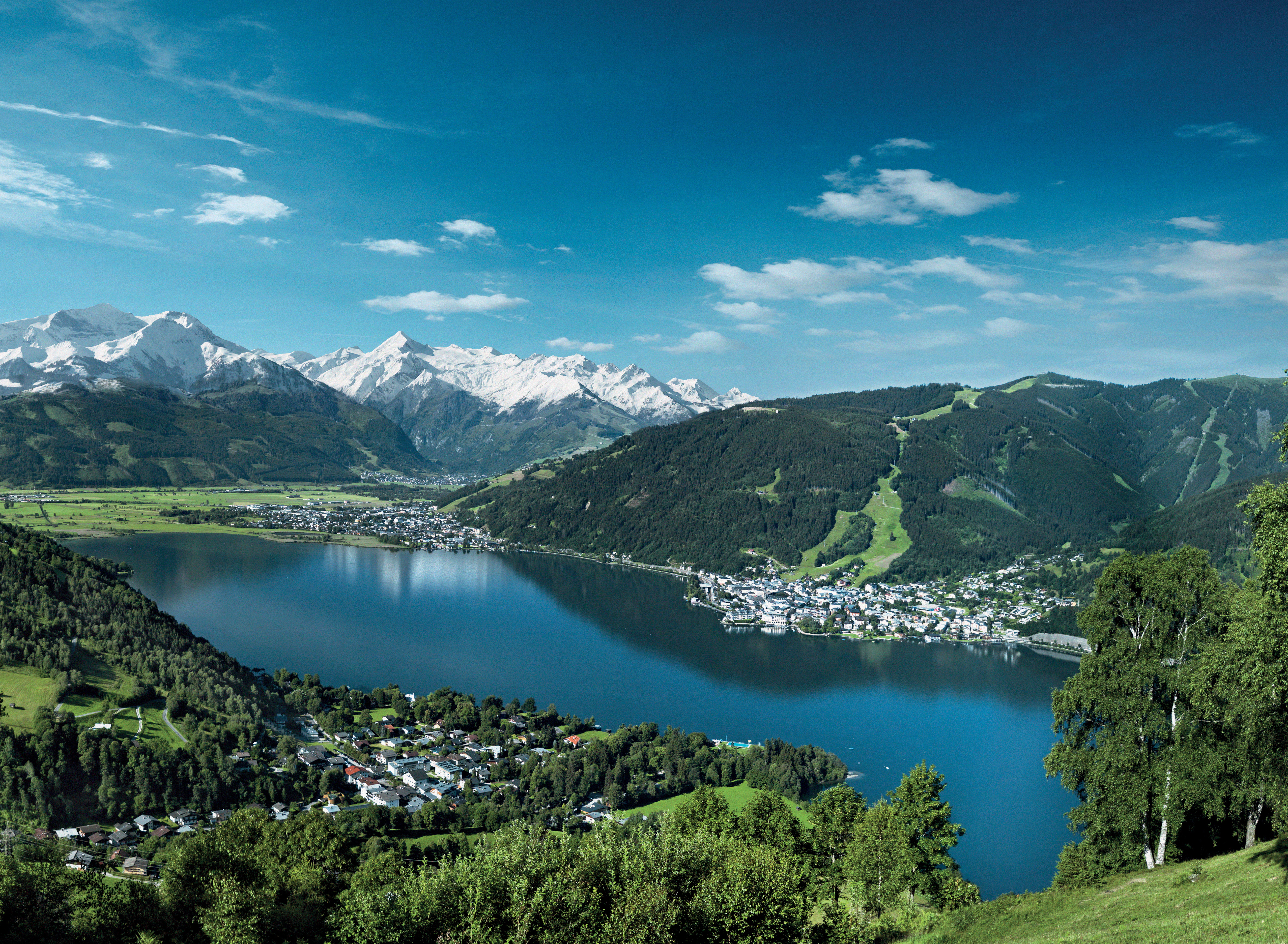 zell am see men Two stylish self catering 3 bedroom holiday rentals in the centre of zell am see each sleeps 8 people and is close to all amenities.